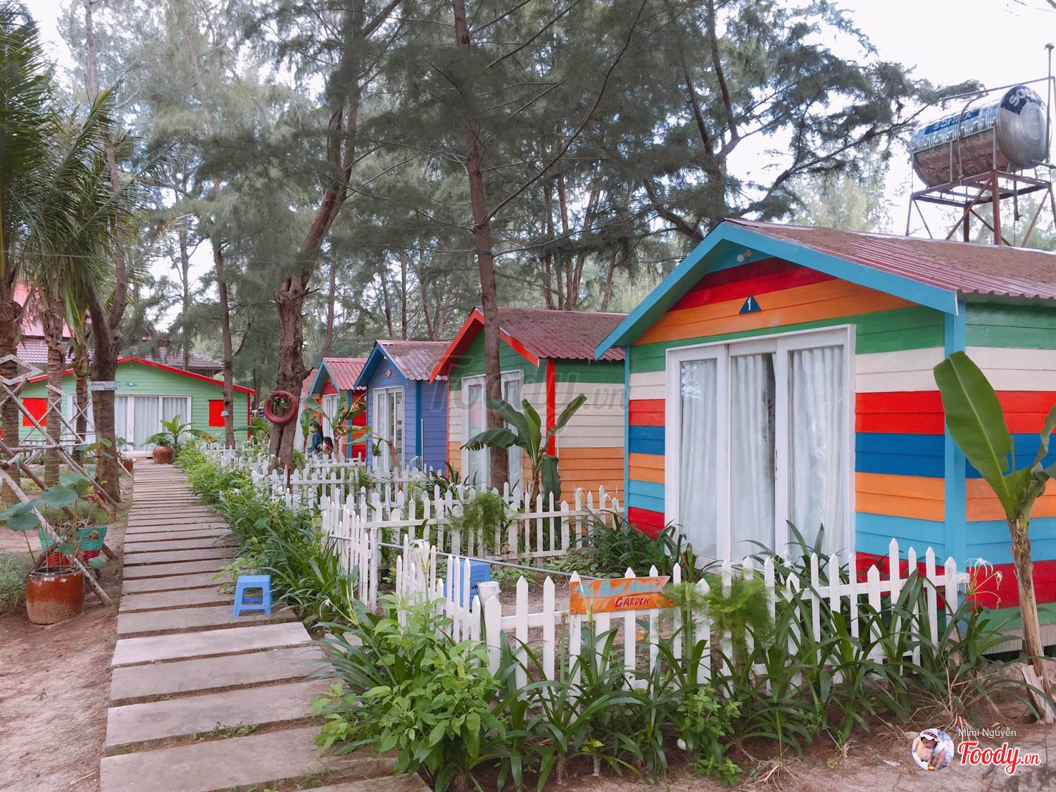 Khu Beach huts tại The Beach Resort